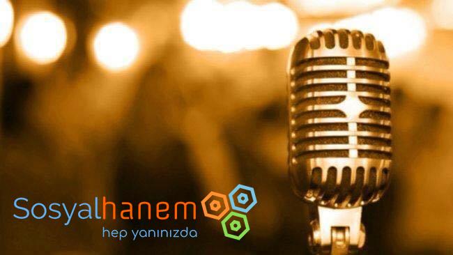 Mikrofonda Sesinizi Kadın Gibi İleten Program